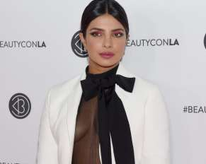 Who is Next James Bond Priyanka Chopra or!!-1